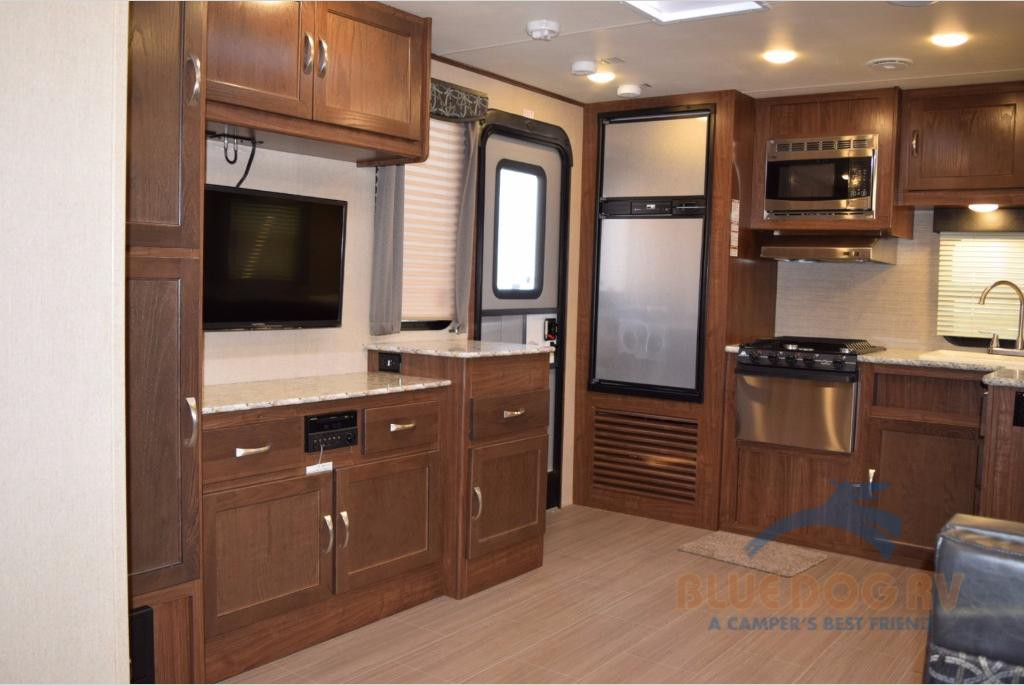 Dutchmen Aerolite 2520RKSL Travel Trailer Kitchen