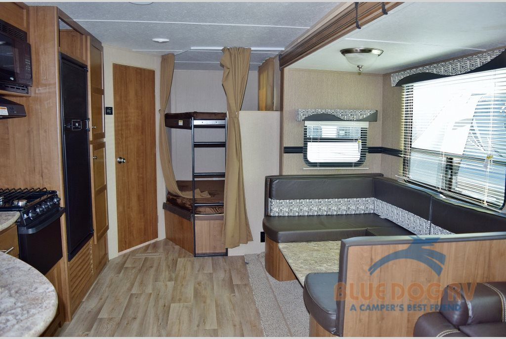 Dutchmen Aspen Trail Travel Trailer: So Much Room, So Easy on the ...