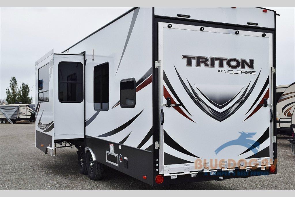 Dutchmen Triton Fifth Wheel Toy Hauler Back