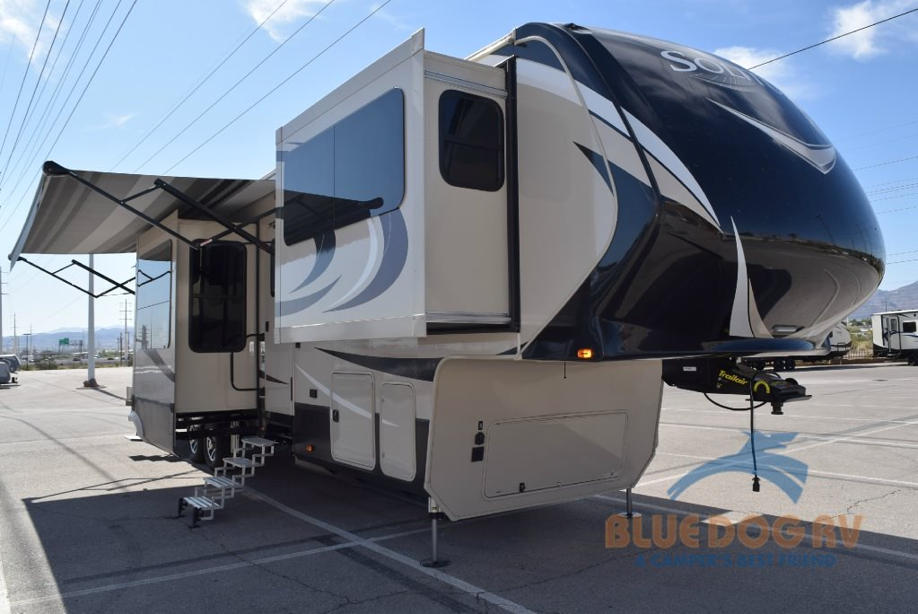 Grand Design Solitude 379FL Front Living Fifth Wheel