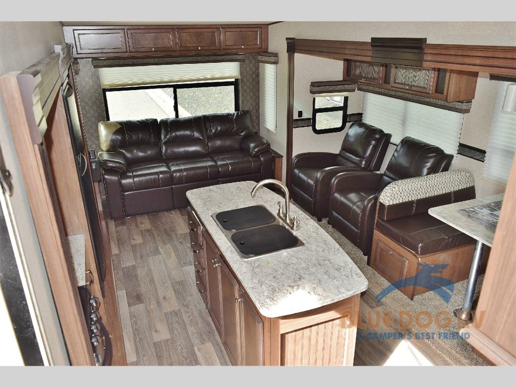 Heartland RV Elkridge Extreme Light Fifth Wheel Living Area