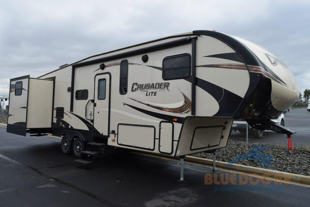 Prime Time Crusader Lite Bunkhouse Fifth Wheel