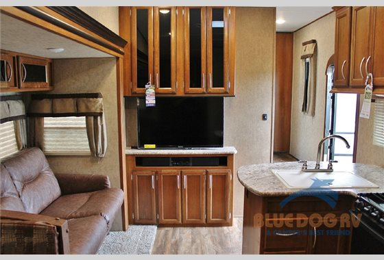 Prime Time Crusader Lite Fifth Wheel Interior