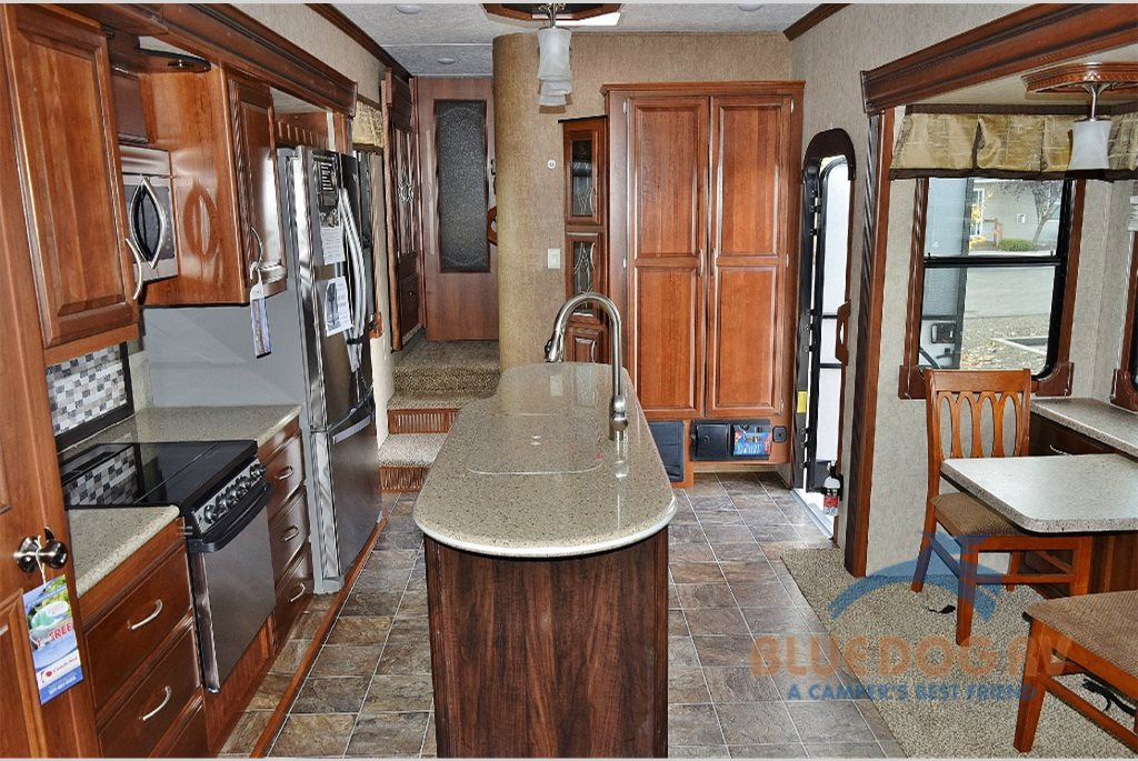 Prime Time Sanibel Fifth Wheel Interior