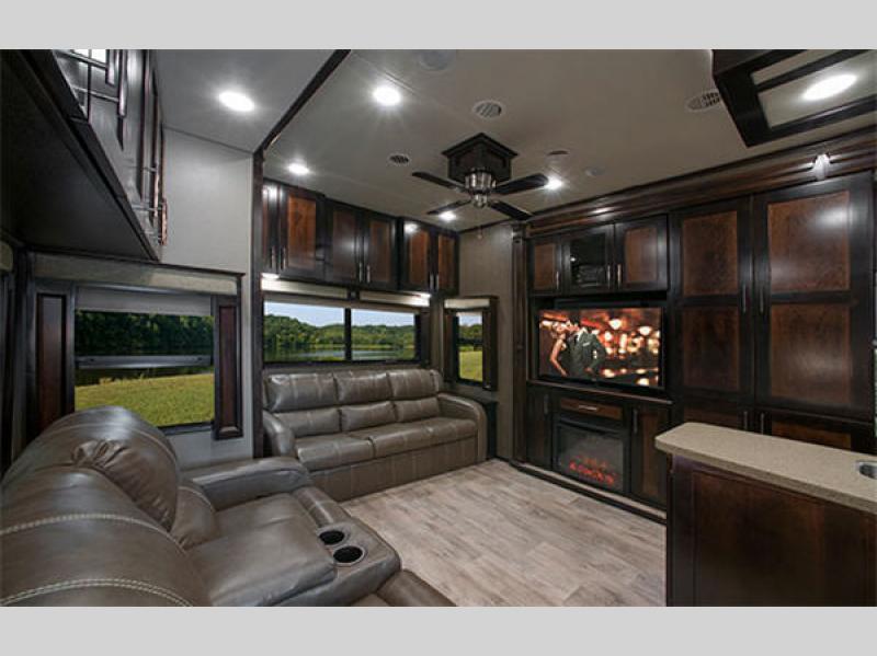 VanLeigh Vilano Fifth Wheel Living Area