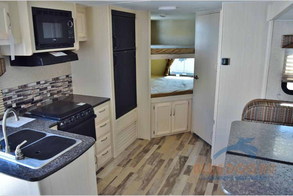 Winnebago Minnie Travel Trailer Bunk Beds