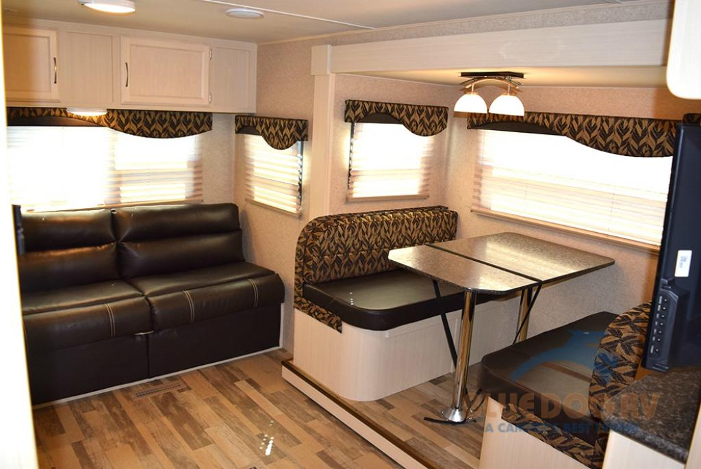 Winnebago Minnie Travel Trailer Seating