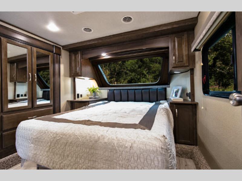 bedroom in solitude s-class