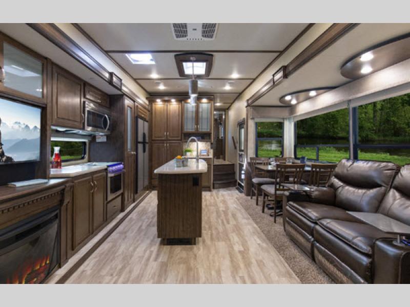 s-class solitude kitchen