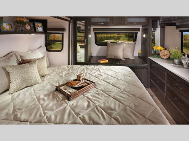 surveyor travel trailer bedroom