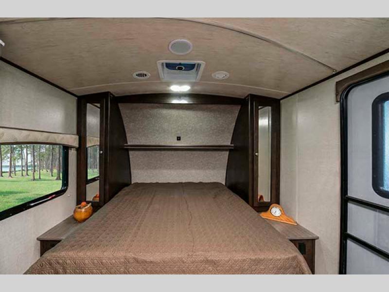 shadow cruiser bedroom