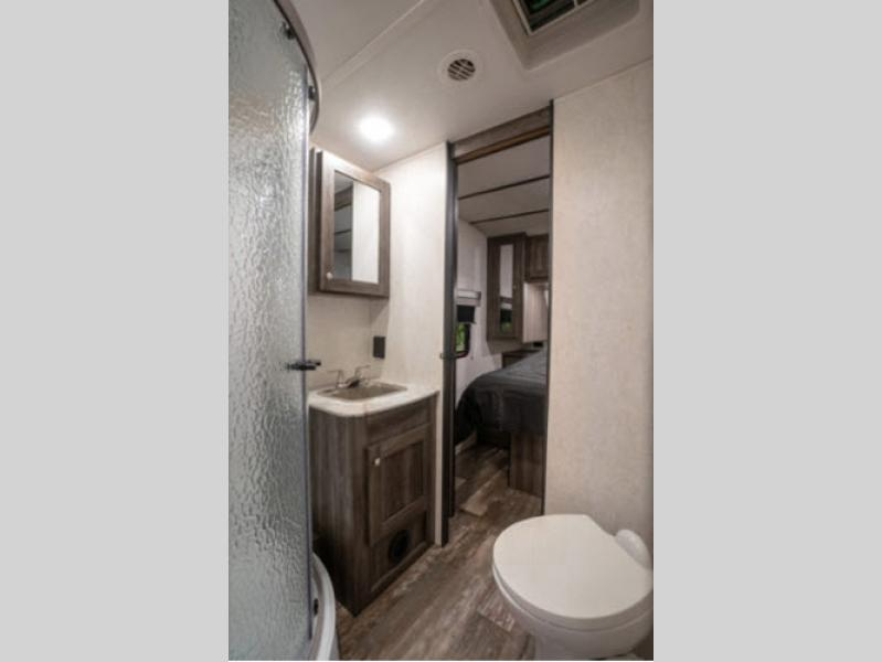 2020 Starcraft Super Lite Review bathroom