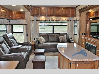interior columbus fifth wheel