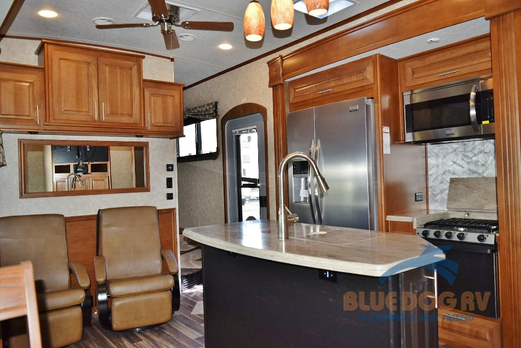 Highland Ridge Open Range 3X 427BHS Fifth Wheel Interior