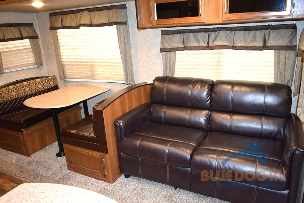Prime Time RV Crusader LITE 30BH Fifth Wheel Interior