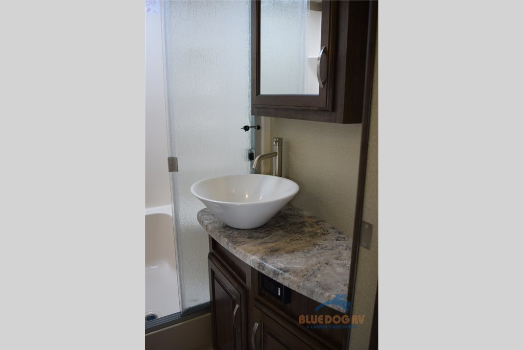 Grand Design Solitude Fifth Wheel Bathroom