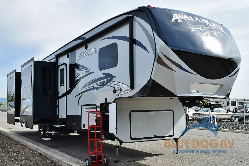 Keystone Avalanche Fifth Wheel