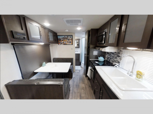 Salem Cruise Lite Travel Trailer Interior