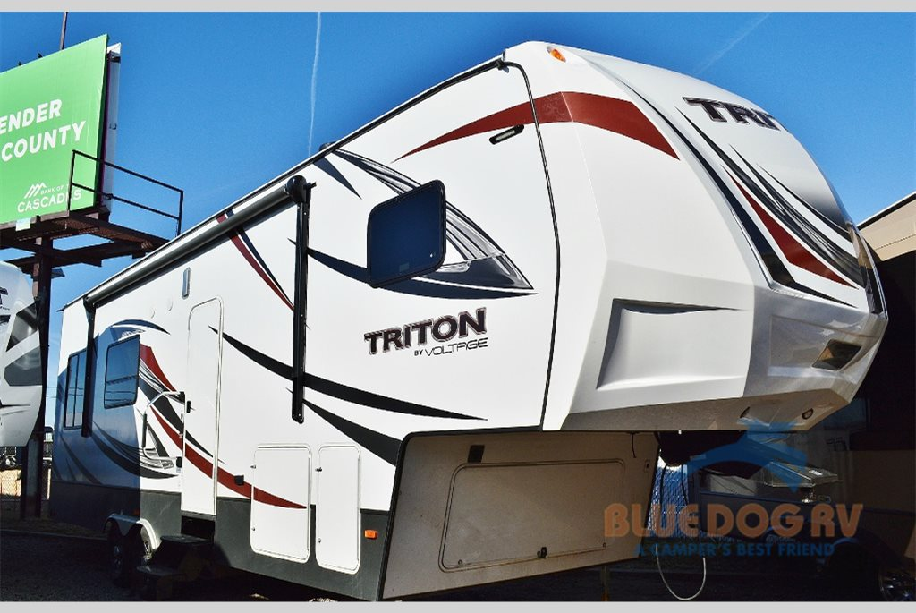 Dutchmen Triton Toy Hauler Fifth Wheel