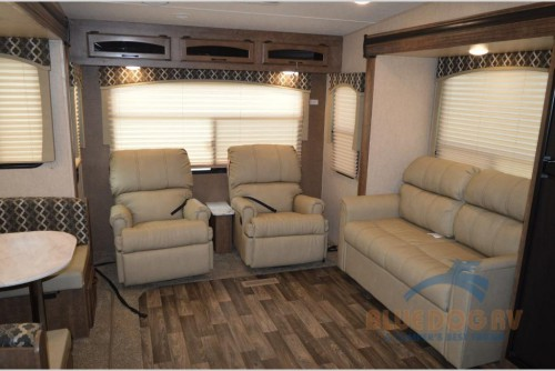 Starcraft Solstice Super Lite 27RLS Fifth Wheel Interior