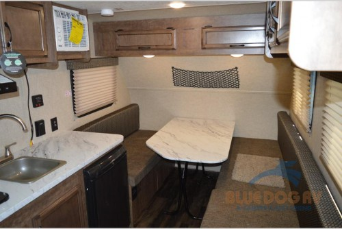 Starcraft Autumn Ridge Outfitter Expandable Interior