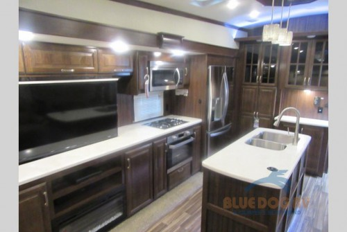 Forest River Cardinal Fifth Wheel Interior