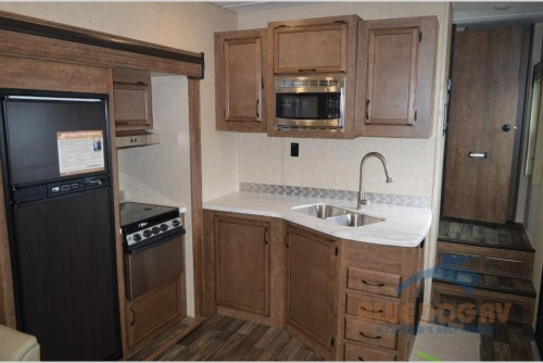 Starcraft Solstice Fifth Wheels Kitchen